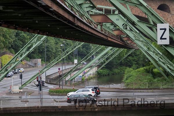 Brücke am Stadion