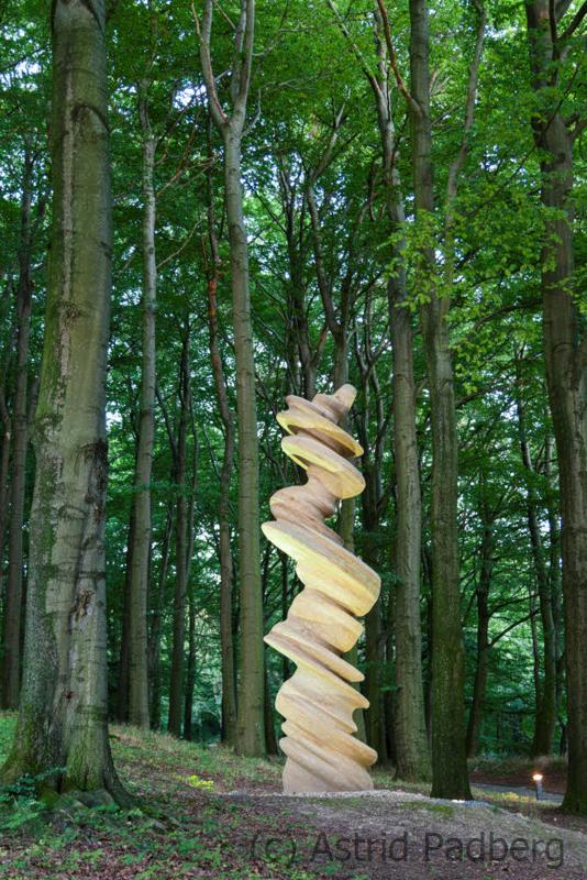 Skulpturenpark Waldfrieden, Tony Cragg, Dancing Column, Stein 2008