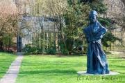 Skulpturenpark Waldfrieden, Thomas Schütte,  Vater Staat