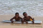 Junge Surfer auf Sal