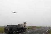 Sumburgh, Achtung Flugzeugstart
