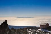 Teide, Aufstieg, Blick auf Seilbahnstation und La Gomera